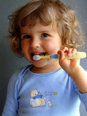 歯みがき大好き少女